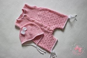 Песочник для новорожденной малышки спицами.
