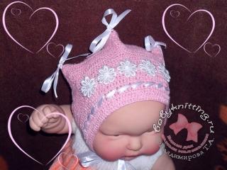 Чепчик Розовое очарование для новорожденных, связанный крючком