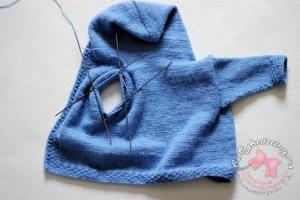 Комплект для новорожденного малыша спицами (часть 2 - кофточка)
