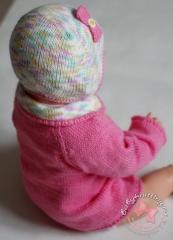 Чепчик и кофточка с воротником спицами для новорожденного.