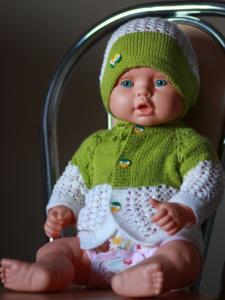 Чепчик и кофточка для новорожденного спицами