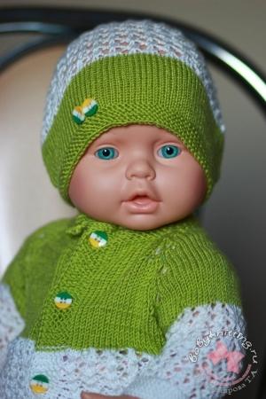 Чепчик и кофточка для новорожденного спицами.