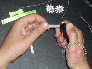 Пинетки,связанные двухцветной английской резинкой.