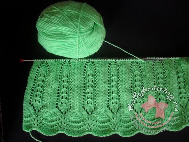 Вяжем одним полотном до пройм.  Далее вязание разделяем на 4 части: 1 часть - левая полочка, две части - спинка...